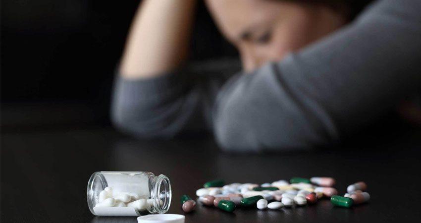 مصرف مواد مخدر زنان